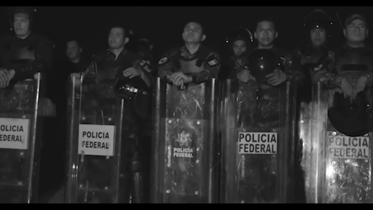 Thumbnail for Pasos Prestados