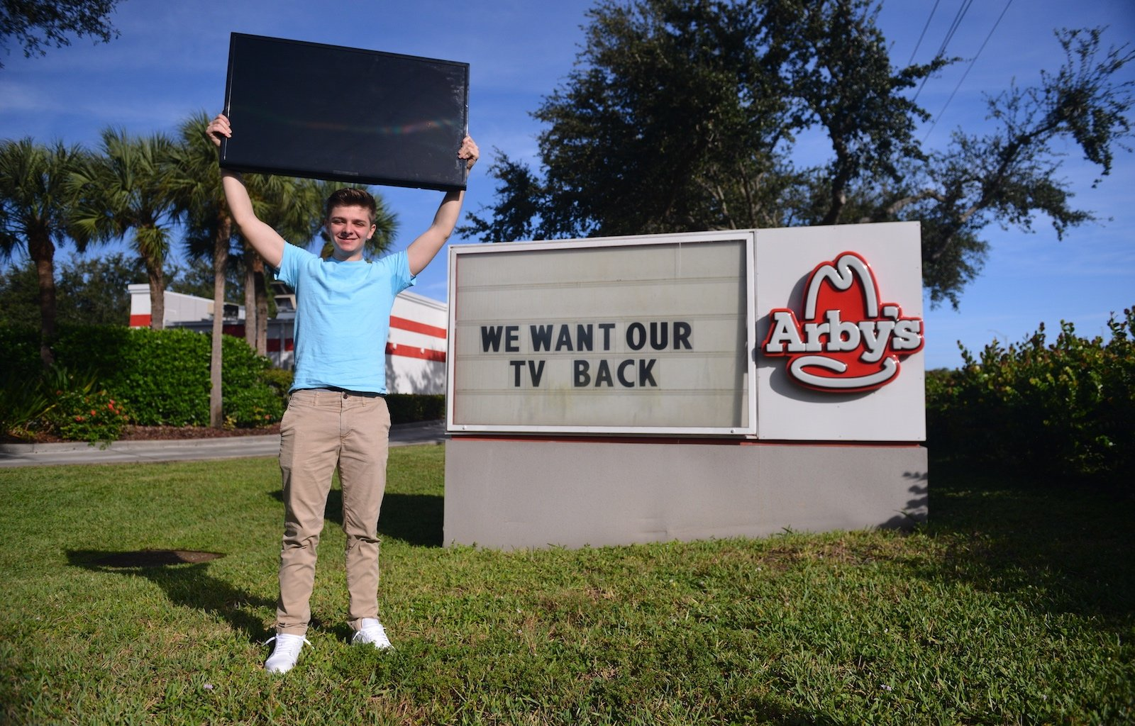 Thumbnail for Arby's $5 Missing Menu Meal TikTok