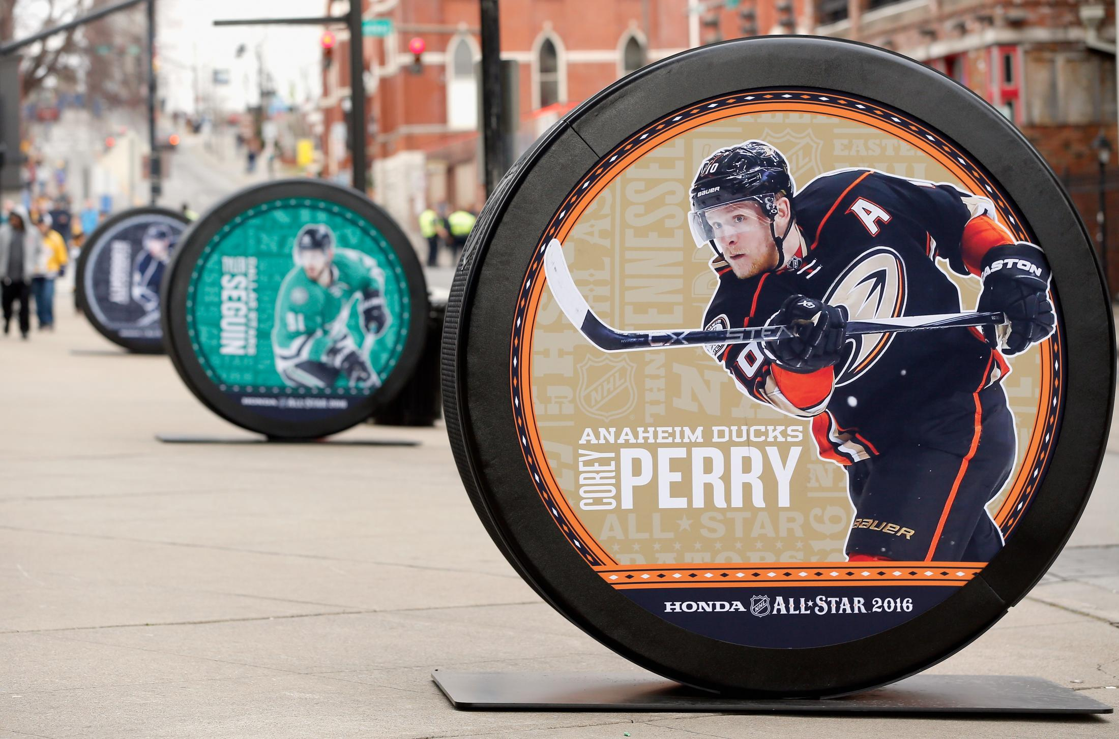 Image Media for Outdoor Pucks