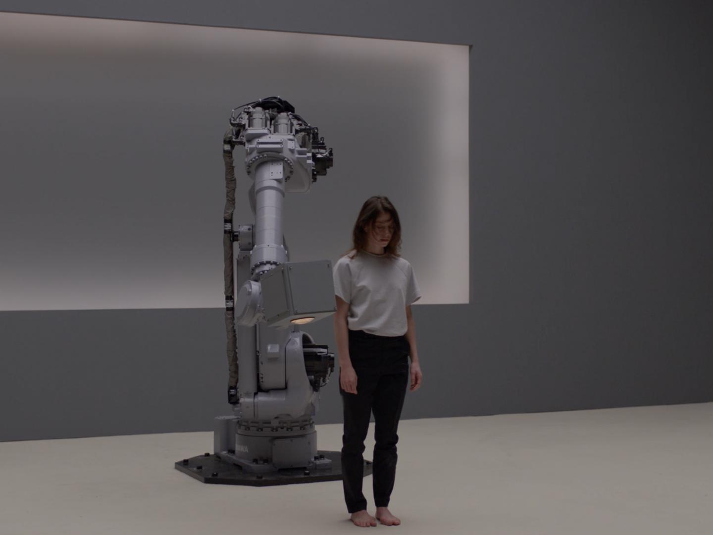 Robot & Dancer Thumbnail