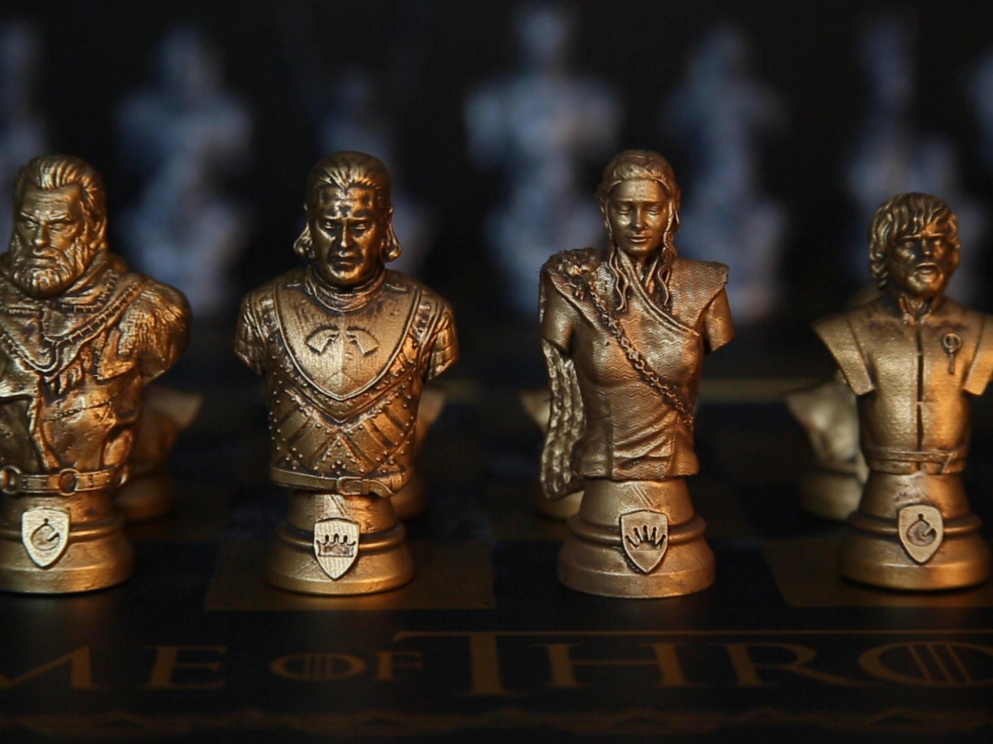 Game of Thrones Collector's Chess Set Thumbnail