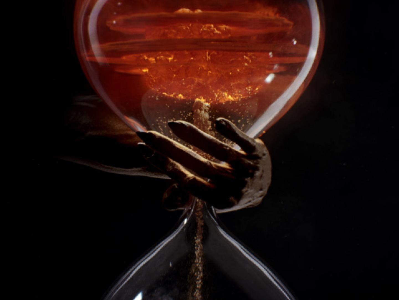 AHS S8 - Hourglass Thumbnail
