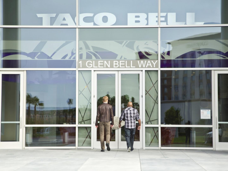 Conan Visits Taco Bell Thumbnail